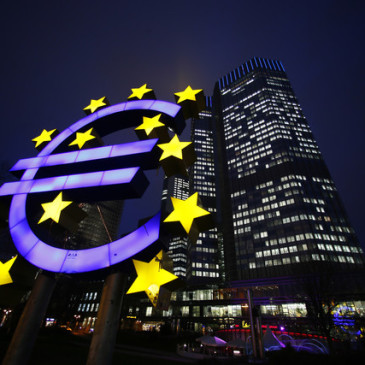 Draghi osiąga swój cel, euro niżej po EBC