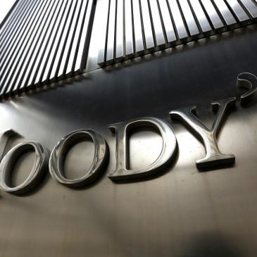 Co zmienia żółta kartka pokazana przez Moody's?