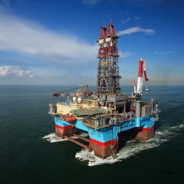 Przyszłość rynku ropy – dane EIA kontra szokująca prognoza OPEC