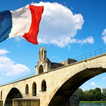 Do trzech razy sztuka. Wielkie westchnienie w Paryżu