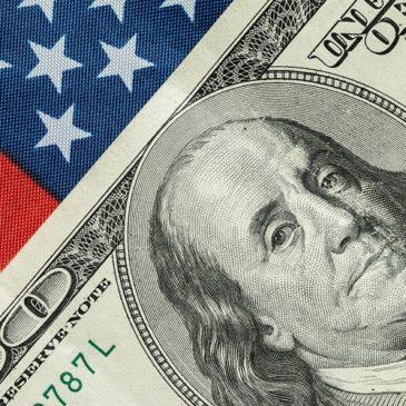 Dwa długoterminowe ryzyka dla notowań USD