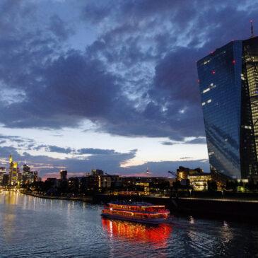 Nowe podejście w polityce pieniężnej i dwa ryzyka dla inflacji